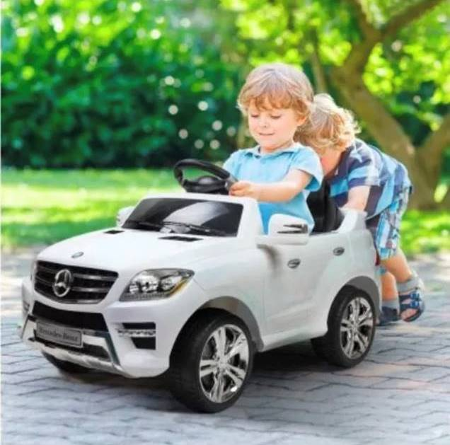 Child's electric Mercedes Benz car