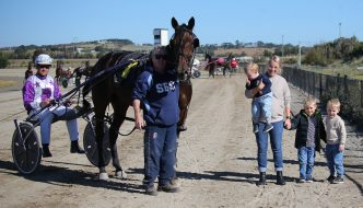 Endless trained and driven by Sam Hewitt wins Goulburn 23 April 2021